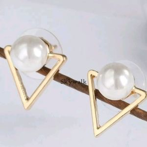Fashion Gold Pearl Stud Earrings